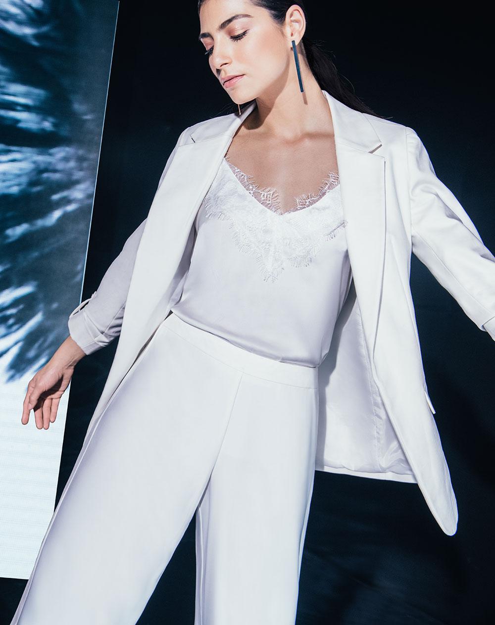 c71adf49 Camisa de Mujer Athasia Blanca con Encaje Punto Blanco